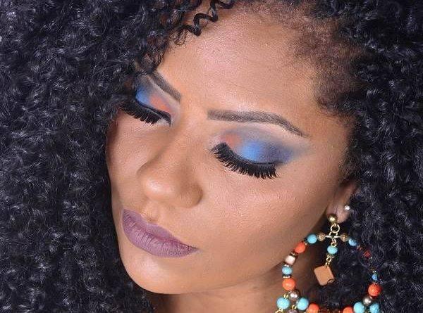 maquiagem colorida para pele negra