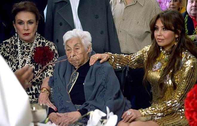 Cuidadora da avó de Thalia acusa Laura Zapata pelo estado de Dona Eva