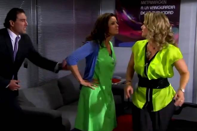 Amores Verdadeiros: Cristina termina casamento com Aguiar e ofende Vitória