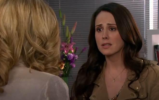 Amores Verdadeiros: Adriana aconselha Vitória a se livrar de Aguiar