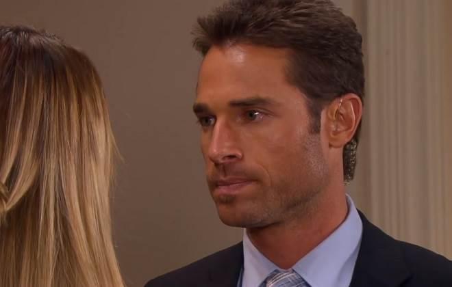 Amores Verdadeiros: Gusmão conta segredo para Nikki e faz pedido