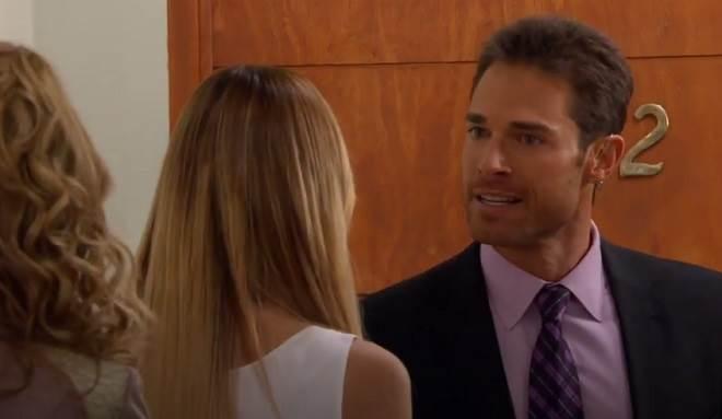 Amores Verdadeiros: Gusmão descobre mentira de Nikki e toma decisão