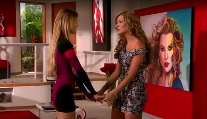 Amores Verdadeiros: Kendra confessa para Nikki que está tendo um caso
