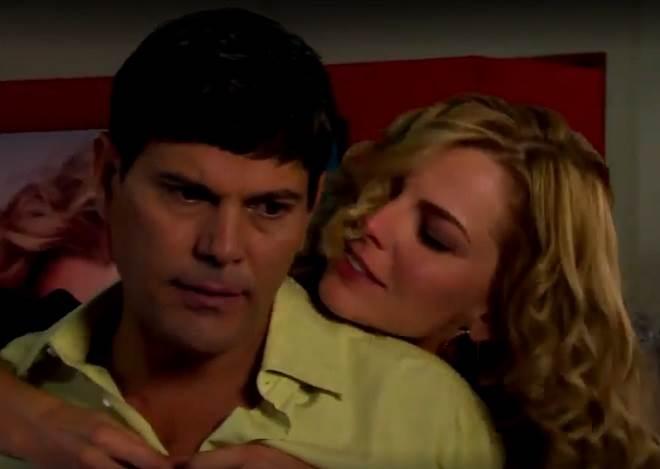 Amores Verdadeiros: Kendra arma plano para prender Nelson e pede ajuda a Salviano