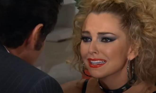 Amores Verdadeiros: Nelson decide terminar caso com Kendra