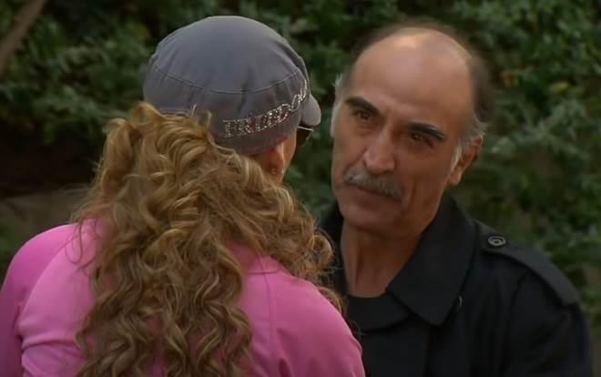 Amores Verdadeiros: Roberto sai da cadeia e vai atrás de Kendra