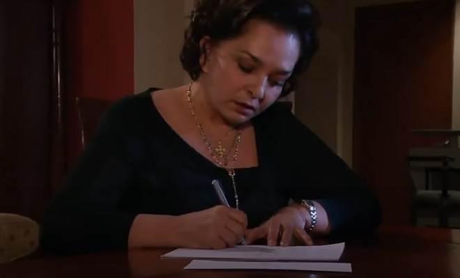 Amores Verdadeiros: Candelária escreve carta revelando toda a verdade