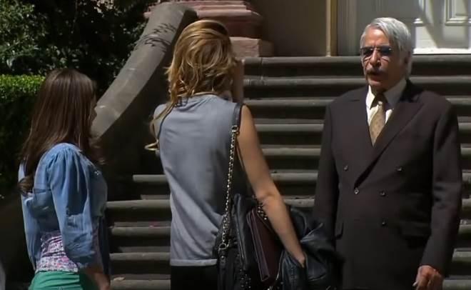 Amores Verdadeiros: Aníbal dá presente a Liliana para atingir Nikki