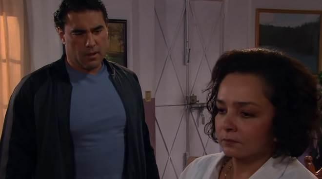 Amores Verdadeiros: Aguiar quer saber de Candelária se Aníbal é o pai de Cristina