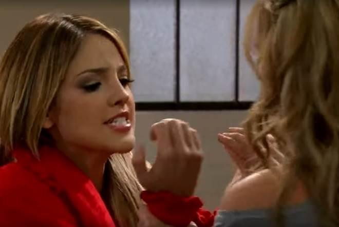 Amores Verdadeiros: Kendra tenta convencer Nikki a deixar Gusmão