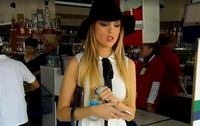 Amores Verdadeiros: Nikki passa vergonha em supermercado