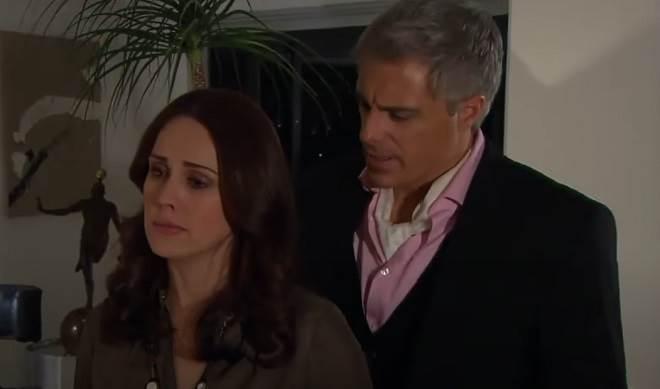 Amores Verdadeiros: Adriana decide esconder gravidez de Carlos