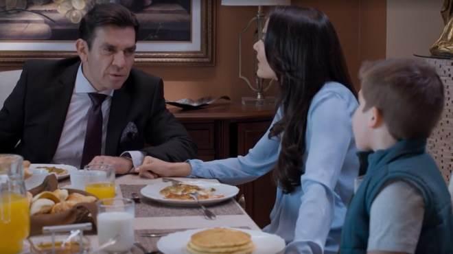 Te Dou a Vida: Ernesto resolve levar Helena e Nícolas para fora do país