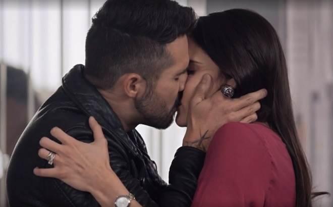 Te Dou a Vida: Pedro e Helena se beijam pra valer e são flagrados